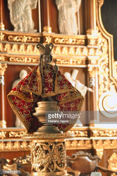 a sto. nino statue - heart internal organ stock pictures, royalty-free photos & images
