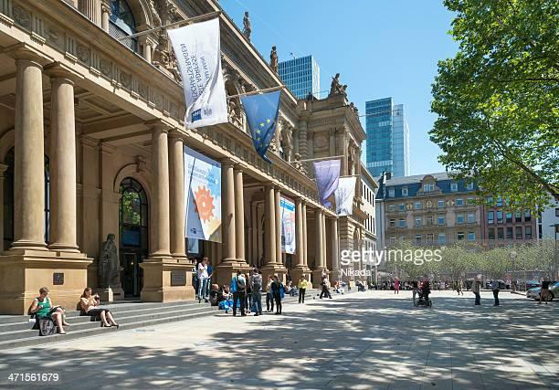 börse in frankfurt, deutschland - frankfurt börse stock-fotos und bilder