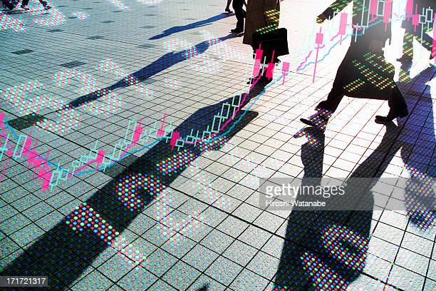 stock index with walking business men - numero foto e immagini stock