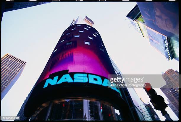 nasdaq stock market building - nasdaq stock pictures, royalty-free photos & images
