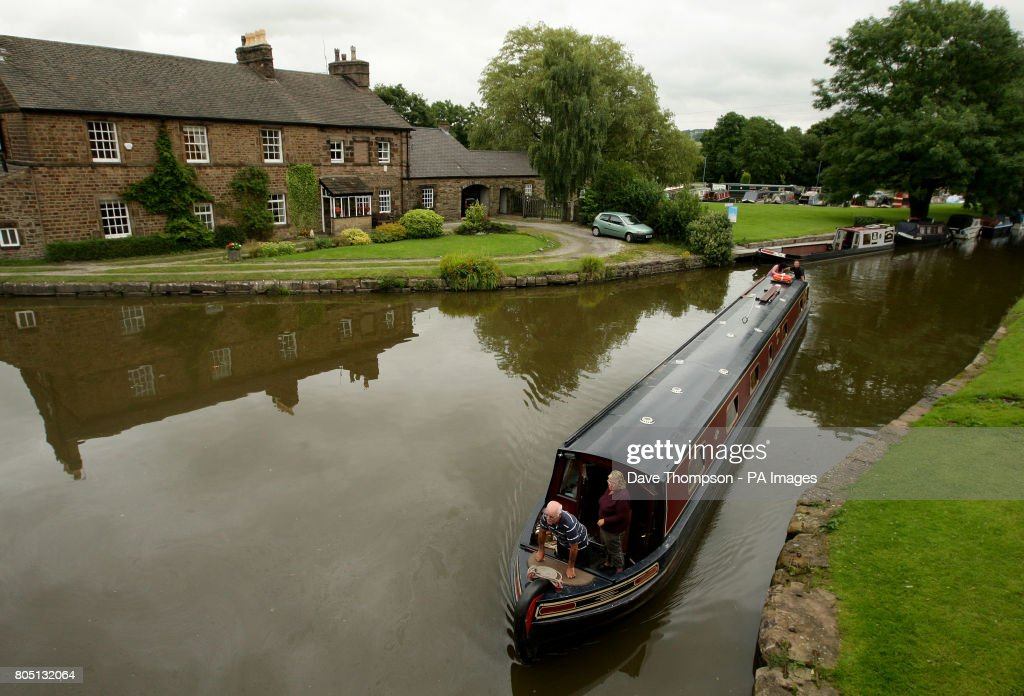 Canal boat dating