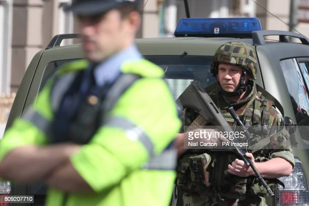 A stock picture of an Irish soldier and a Garda in Dublin city centre