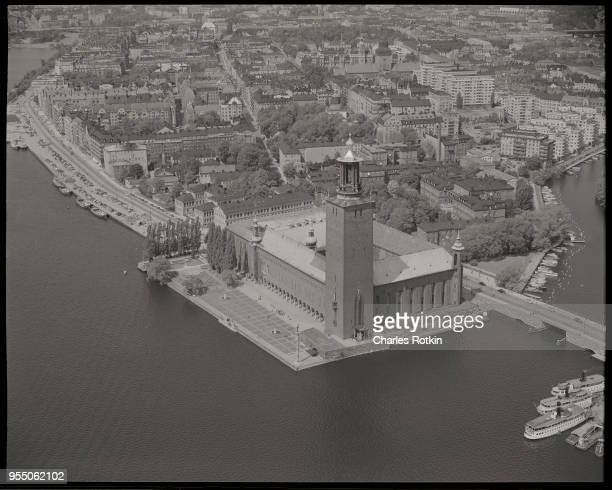 Stockholm city hall The Stockholm City Hall also known as the Stadhuset includes a 325 foot tower on the shore of Lake Malaren This structure was...