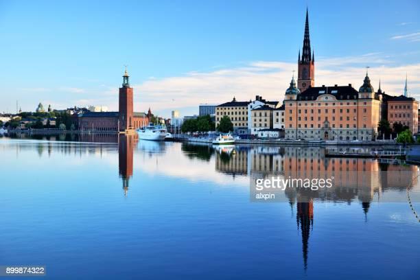 oude stad van stockholm, zweden - kasteel stockfoto's en -beelden