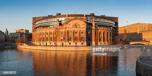 Stockholm Riksdaghuset schwedische Parlament bei Sonnenuntergang