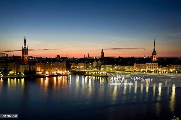 stockholm skyline and riddarholm church - riddarholmkirche stock-fotos und bilder