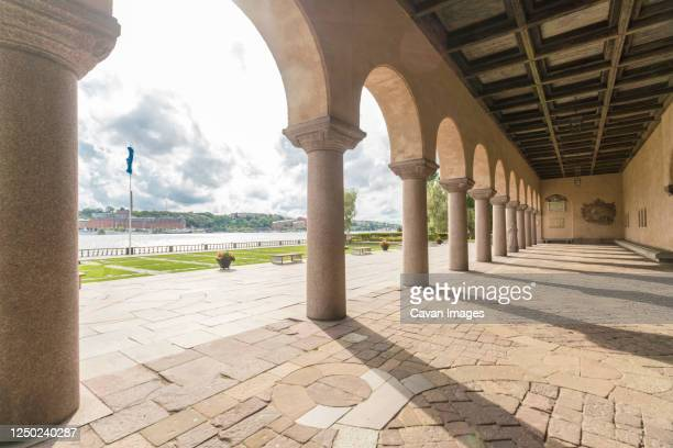 stockholm stadshus red city hall outdoor empty - gala stock pictures, royalty-free photos & images
