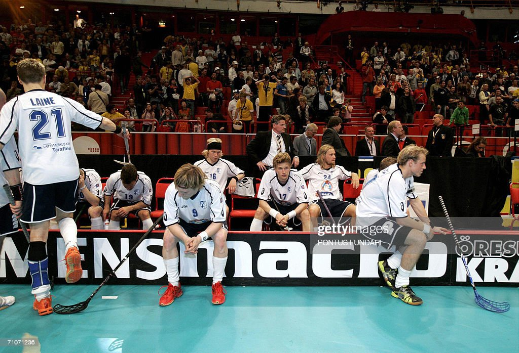 Finnish players look dejected after bein : News Photo