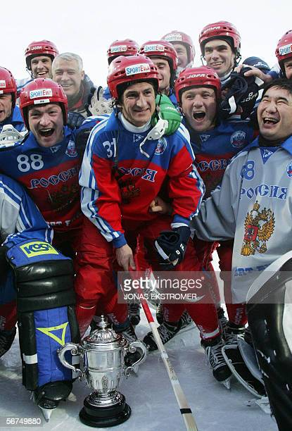The Russian bandy team front row from left Jevgenij Ivanushkin Misja Sveshninikov Pavel Franz och Iljas Chandajev celebrates the victory in the World...
