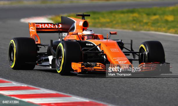 Stoffel Vandoorne of Belgium driving the McLaren Honda Formula 1 Team McLaren MCL32 on track during day two of Formula One winter testing at Circuit...
