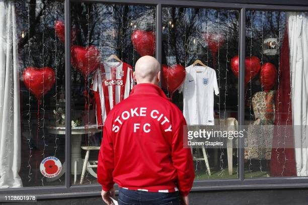 Stoke City FC fan pays his respects in memory of Gordon Banks on March 04 2019 in Stoke England Gordon Banks considered one of the finest goalkeepers...