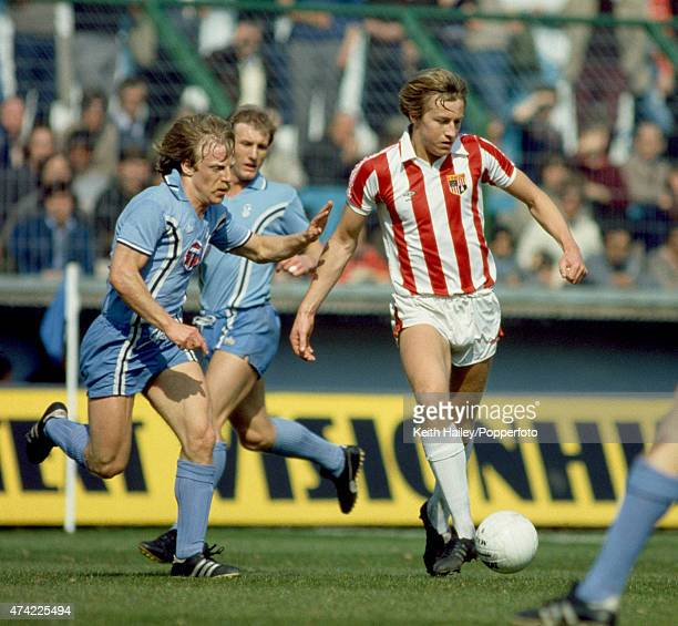 Stoke City striker Lee Chapman under pressure from Brian Roberts and Steve Hunt of Coventry City during their First Division match at Highfield Road...