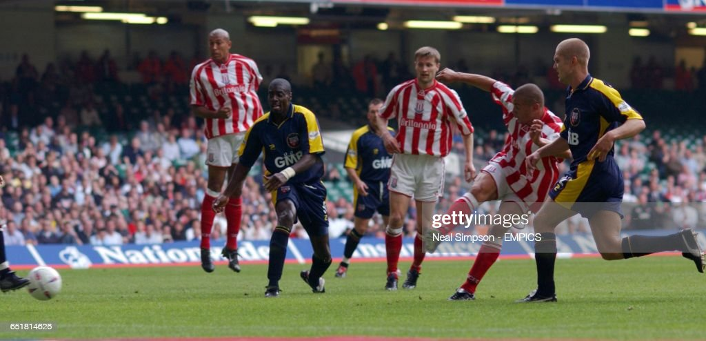 Soccer - Nationwide League Division Two - Playoff Final - Brentford v Stoke City : News Photo