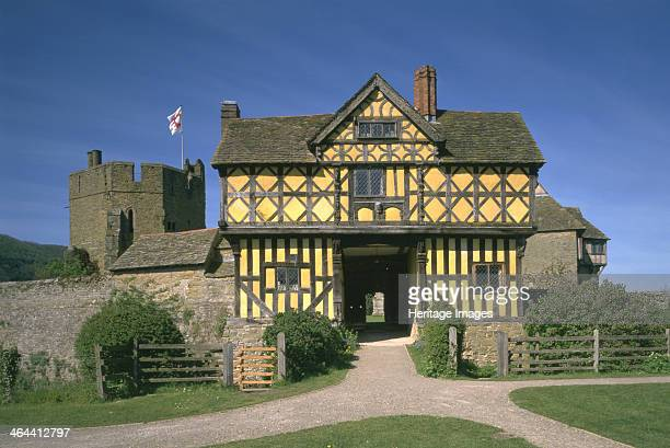 Stokesay Castle and gatehouse Shropshire 1997 The timberframed gatehouse was added in 1620 Stokesay Castle is the finest and bestpreserved 13th...