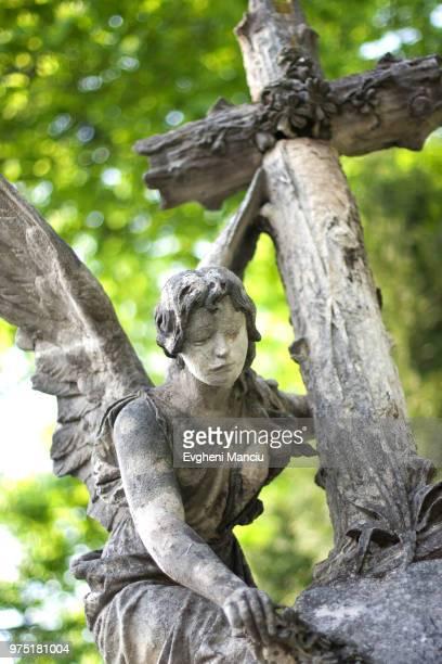 stone angel - ukrainian angel stockfoto's en -beelden