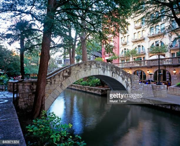 stone bridge at san antonio river walk - san antonio river walk stock pictures, royalty-free photos & images