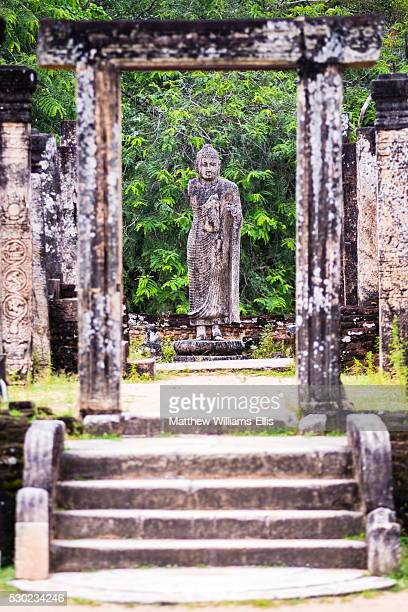 stone buddha statue at the tooth relic chamber (hatadage) in polonnaruwa quadrangle, unesco world heritage site, sri lanka, asia - lanka stock pictures, royalty-free photos & images