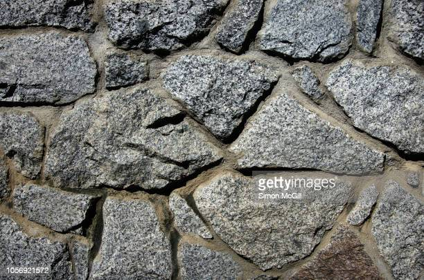 stone feature wall - retaining wall stock pictures, royalty-free photos & images