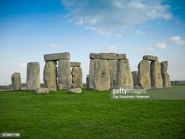 stone henge - stonehenge stock photos and pictures