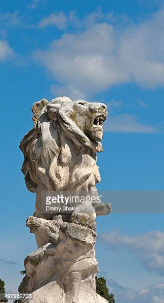 stone lion against blue sky - hérault stock pictures, royalty-free photos & images