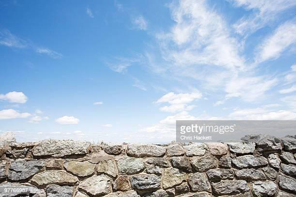 stone wall - caillou photos et images de collection