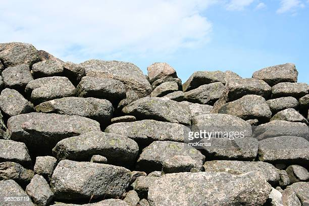 stone wall - stone wall stock pictures, royalty-free photos & images