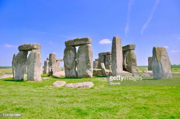 stonehenge circle, salisbury, england - steinzeit stock-fotos und bilder
