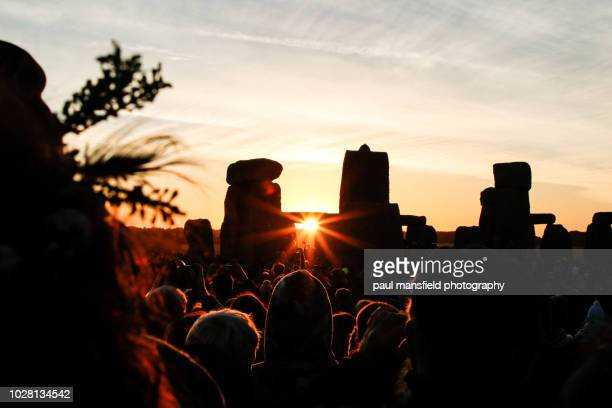 stonehenge - midsommar stock pictures, royalty-free photos & images