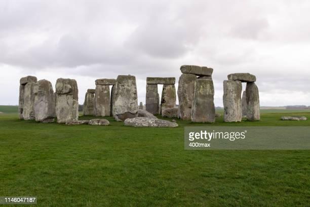 stonehenge - steinzeit stock-fotos und bilder