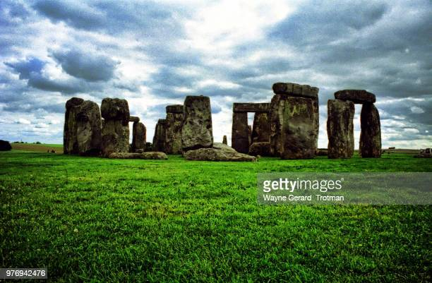 stonehenge - wayne gerard trotman stock pictures, royalty-free photos & images