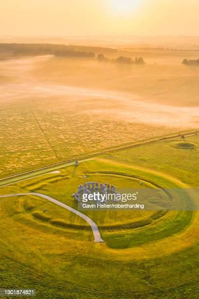 stonehenge, unesco world heritage site, salisbury plain, wiltshire, england, united kingdom, europe - gavin hellier stock pictures, royalty-free photos & images