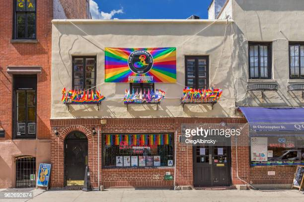stonewall inn, gay bar and tavern, in the west village, lower manhattan, new york city. - stonewall inn stock photos and pictures