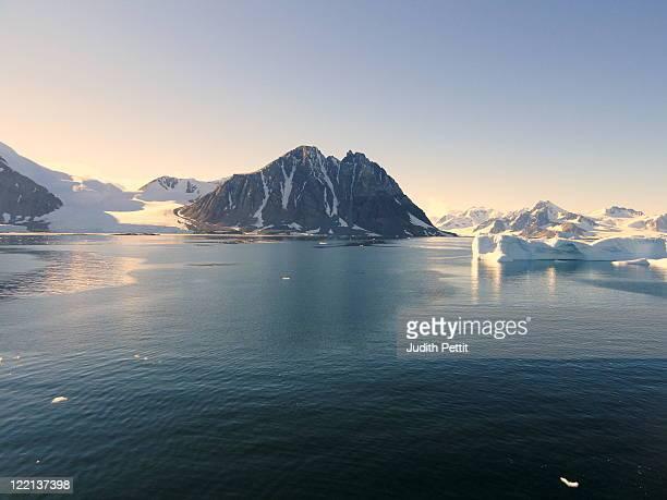stonington island - antarctic peninsula stock pictures, royalty-free photos & images