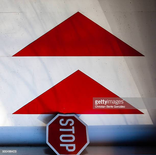 stop & go - christian beirle gonzález stock pictures, royalty-free photos & images