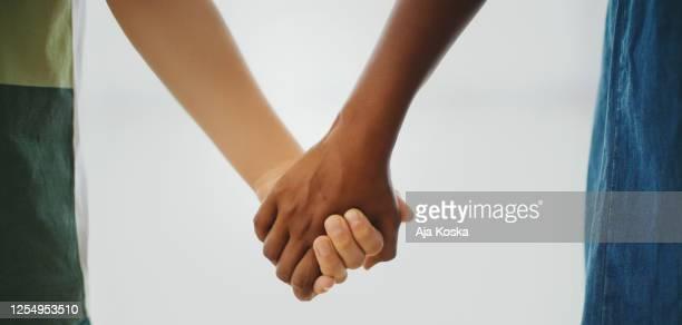 stop racism. - preconceito racial imagens e fotografias de stock