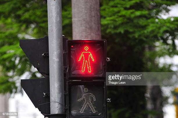stop signal displayed on traffic light - walk don't walk signal stock pictures, royalty-free photos & images