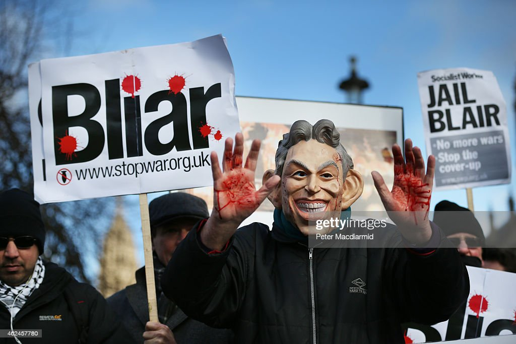 Protests Are Held Over The Delay In The Publication Of The Iraq War Inquiry : Fotografía de noticias