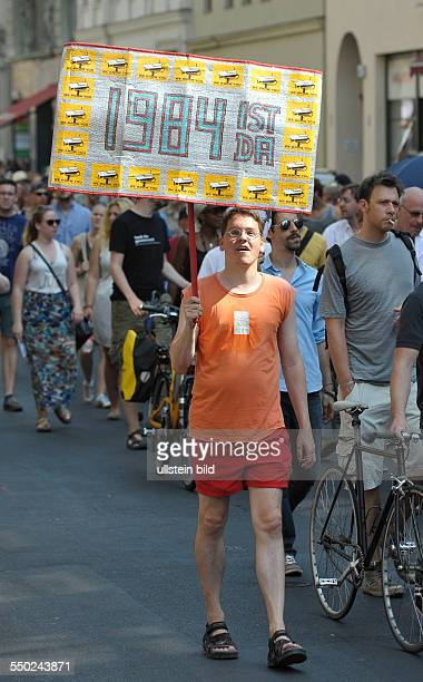 Stop Watching Us Demonstration gegen Überwachung durch die Geheimdienste in Berlin