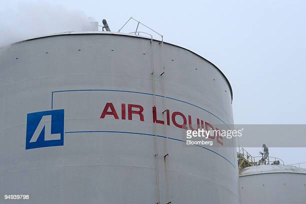A storage tank stands at the Air Liquide factory in Moissy Cramayel France on Friday Feb 13 2009 Air Liquide SA the world's biggest maker of...