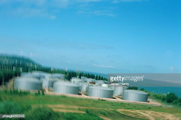 storage tanks - hydrocarbon stock pictures, royalty-free photos & images