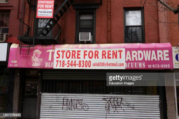 Store for rent sign during pandemic, Manhattan, New York.