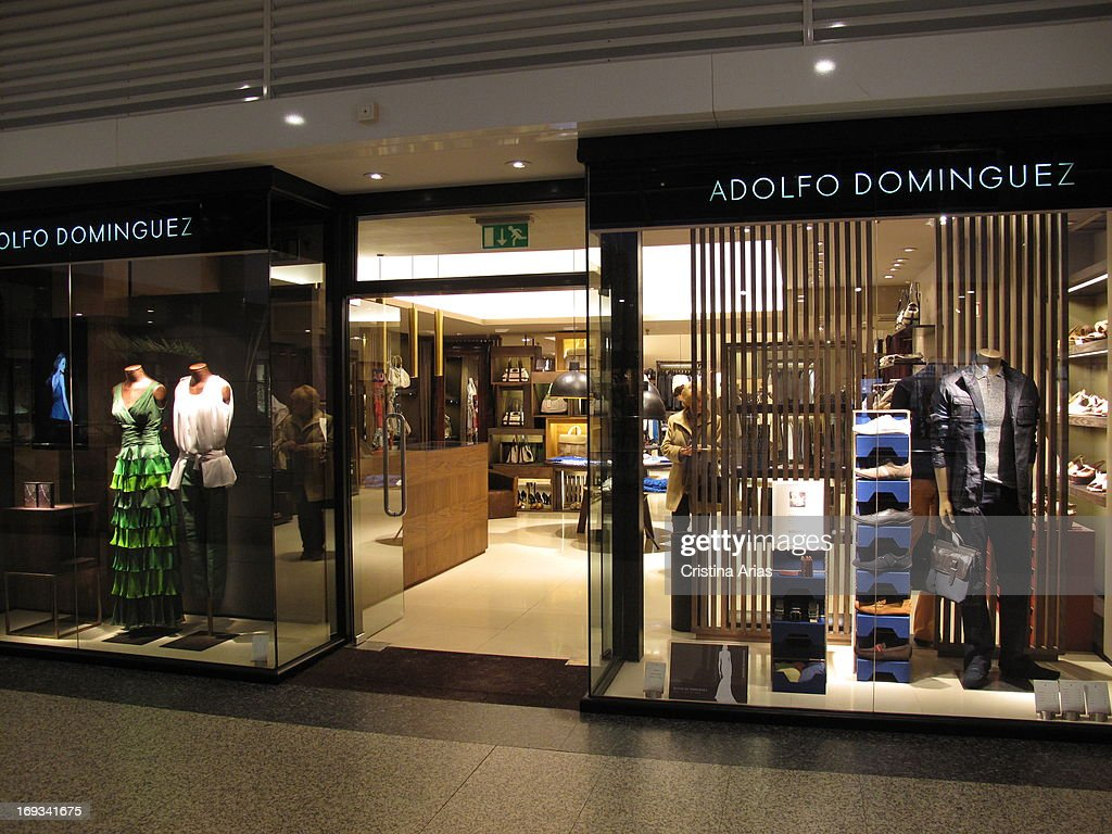 Store of the spanish fashion brand adolfo dominguez in the for Adolfo dominguez oficinas madrid