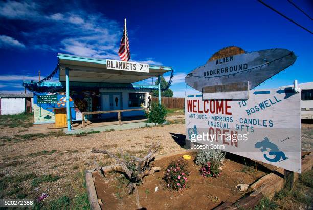 store selling ufo paraphernalia - roswell stock pictures, royalty-free photos & images