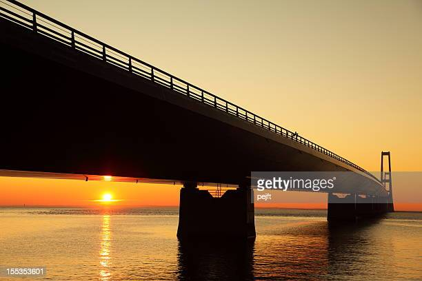 storebæltsbroen - a great bridge at sunset! - pejft stock pictures, royalty-free photos & images