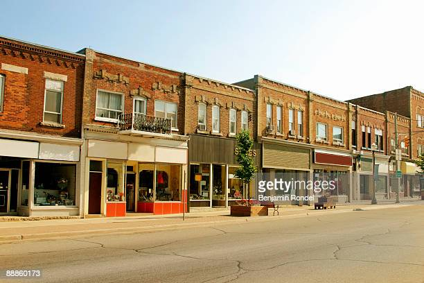 storefront buildings in a small town - town stock pictures, royalty-free photos & images
