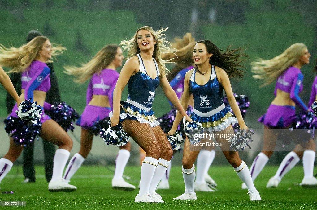NRL Qualifying Final - Melbourne v North Queensland : News Photo