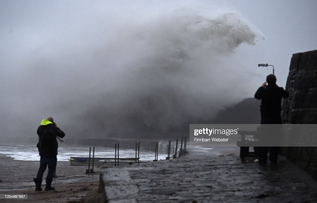 Ciara The Third Named Storm Of The Year Arrives In The UK : Nachrichtenfoto