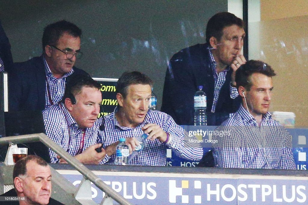 Storm head coach Craig Bellamy (C) looks on during the round 23 NRL match between the Melbourne Storm and the Parramatta Eels at AAMI Park on August 17, 2018 in Melbourne, Australia.
