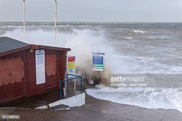 storm imogen hits colwell bay on the isle of wight - s0ulsurfing 個照片及圖片檔