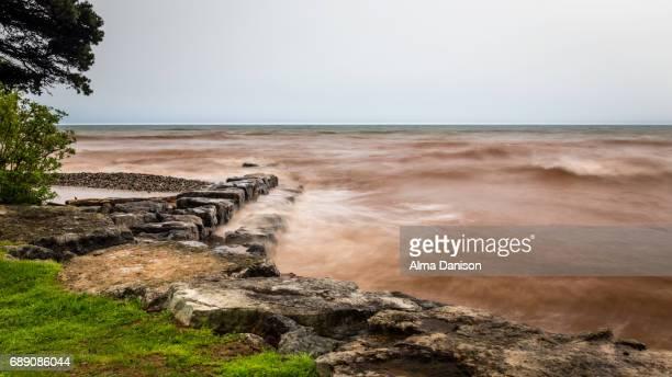 storm on lake ontario - alma danison stock-fotos und bilder